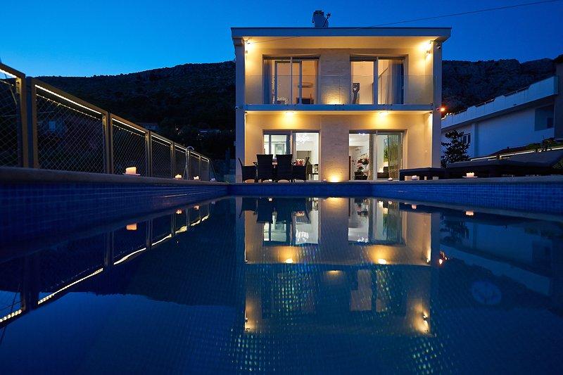 Luxury Villa Venera with Pool, vacation rental in Krilo