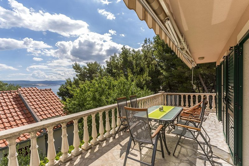 Kutlesa Apartment Sleeps 8 with Pool and Air Con - 5467254, vacation rental in Medici