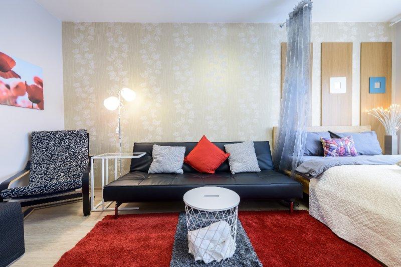 Home DESIGN apartment near Nevsky prospect, location de vacances à Razmetelevo
