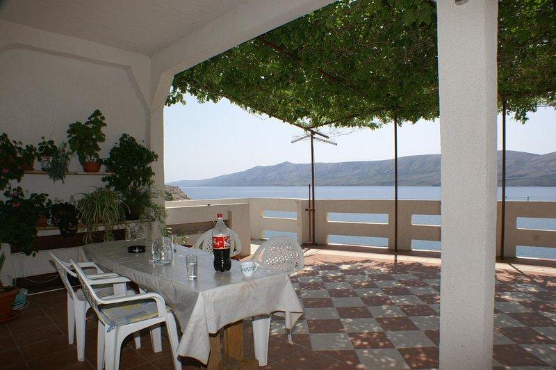 Kolan Apartment Sleeps 12 - 5462204, location de vacances à Zubovici