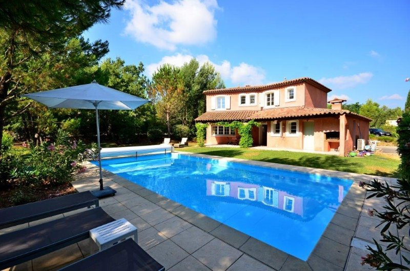 Les Saquetons Villa Sleeps 8 with Pool and WiFi - 5822316, vacation rental in Fayence