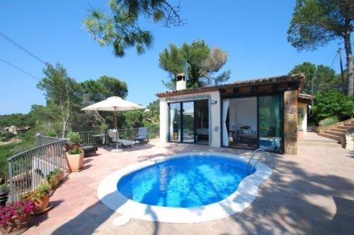 Fornells de la Selva Villa Sleeps 5 with Pool and WiFi - 5736588, alquiler de vacaciones en Regencós