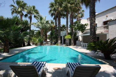 Biot Villa Sleeps 10 with Pool Air Con and WiFi - 5822329, location de vacances à Biot