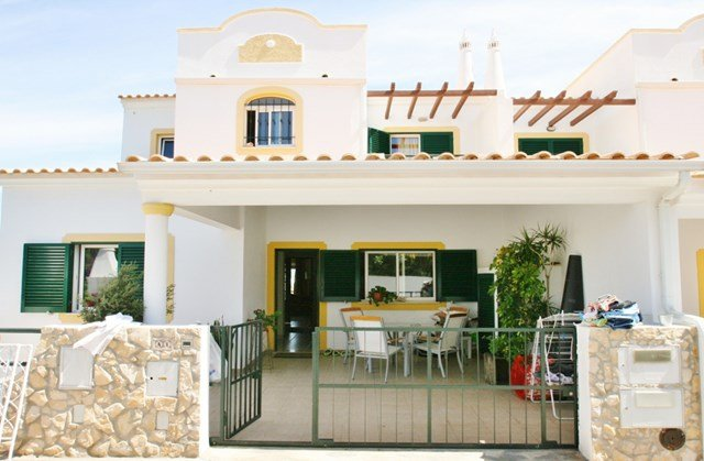 Villa Malpique - 4 Bedroom Townhouse - Private Pool – semesterbostad i Albufeira