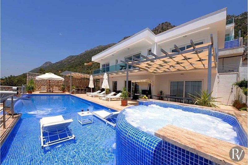 Kalkan Villa Sleeps 8 with Pool and Air Con - 5433501, holiday rental in Bezirgan
