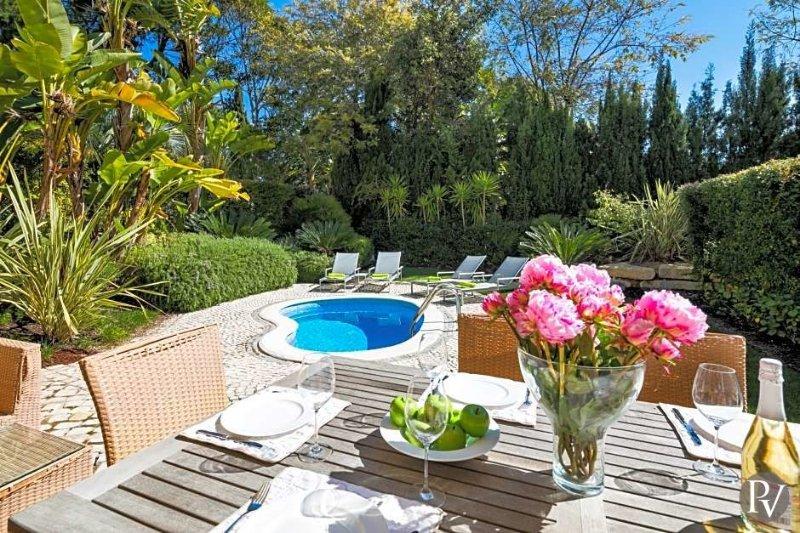Quinta do Lago Villa Sleeps 6 with Pool and Air Con - 5433247, holiday rental in Quinta do Lago