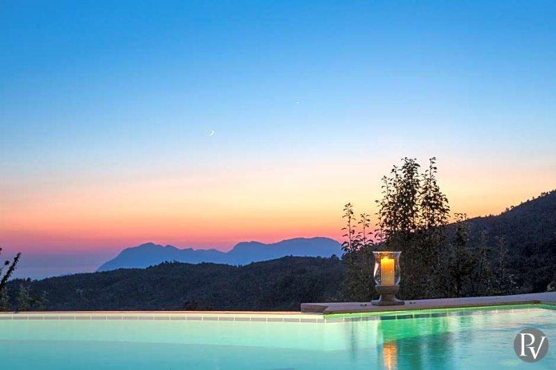 Ikizce Villa Sleeps 12 with Pool and Air Con - 5433200, holiday rental in Islamlar