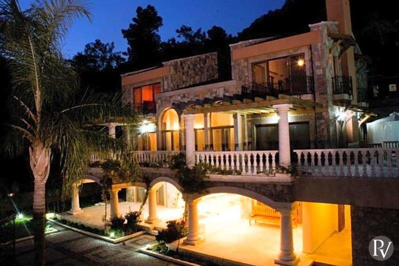 Gocek Villa Sleeps 12 with Pool Air Con and WiFi - 5433099, vacation rental in Gocek