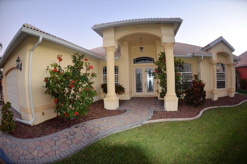 VELEROS de acceso de 4 dormitorios y 3 baños Villa POOL / SPA / orientación Vistas increíble SUR.