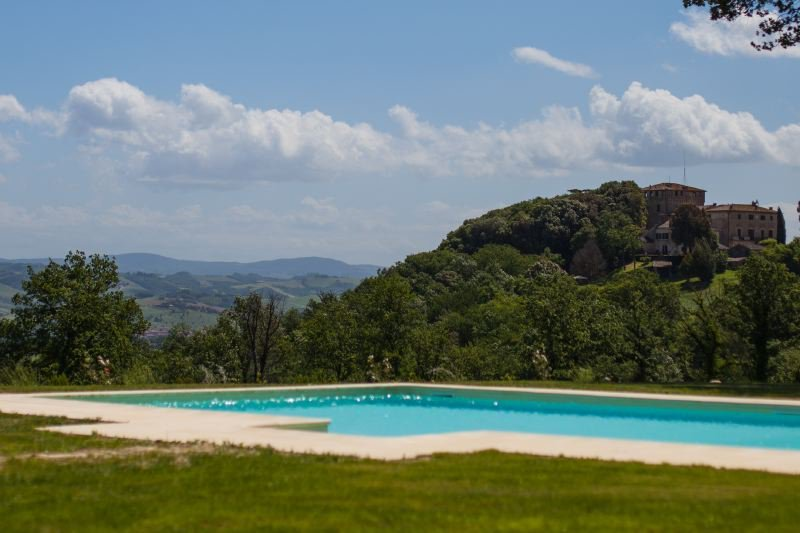 Buonconvento Villa Sleeps 14 with Pool Air Con and WiFi - 5399074, holiday rental in Bollano