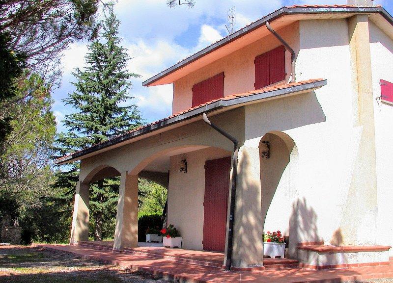 Corgna Holiday Home Sleeps 8 with Pool and WiFi - 5397131, alquiler vacacional en Tuoro sul Trasimeno