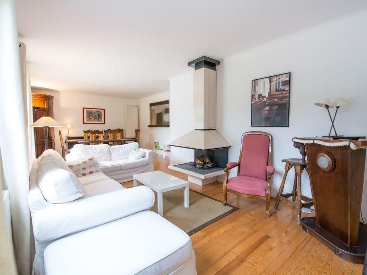 AKTUALISIERT: 2019 - 5 bedroom Villa in Chambre-d\'Amour, Nouvelle ...