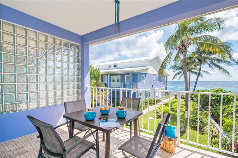 Moon Bay #27, holiday rental in Bodden Town