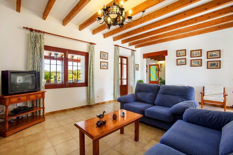 Cas Concos Villa Sleeps 8 with Pool and Air Con - 5364677, holiday rental in Cas Concos