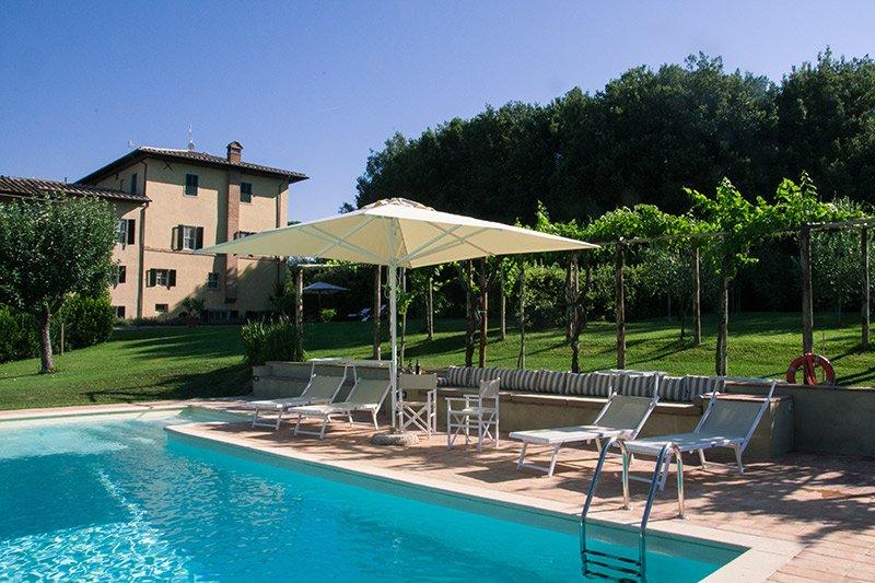 Monteroni d'Arbia Villa Sleeps 13 with Pool Air Con and WiFi - 5313684, holiday rental in Monteroni d'Arbia