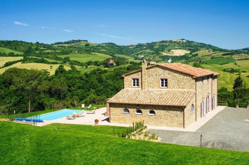 Villa Barone Villa Sleeps 12 with Pool Air Con and WiFi - 5269740, location de vacances à Querceto