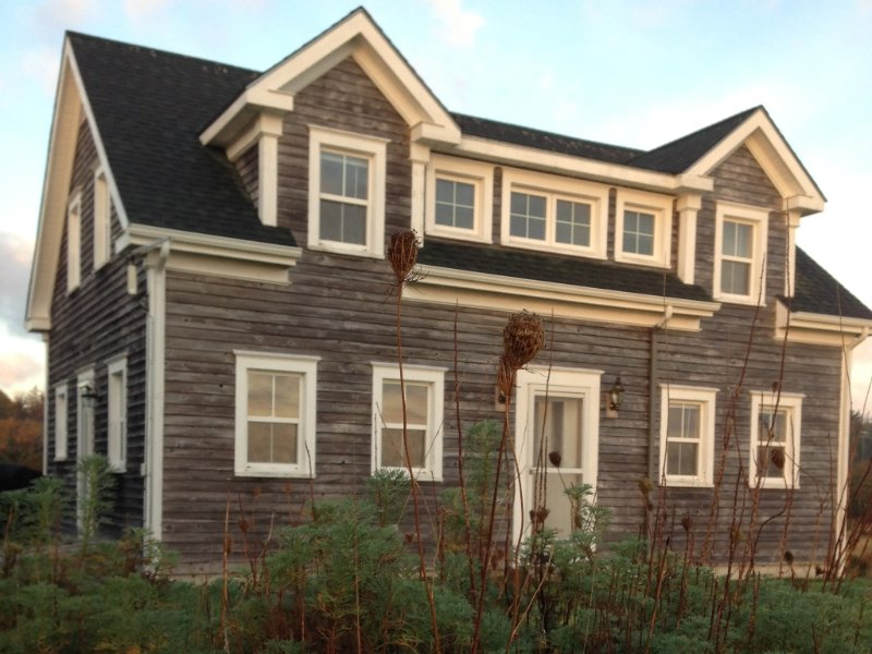 Orchard Point is a renovated 19th century sea captain's house in Shelburne, Nova Scotia