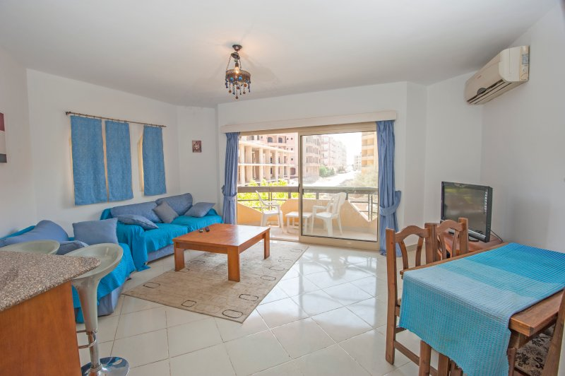Modern 2Bed/2Bath (105) Prime location, Hurghada, vacation rental in Hurghada