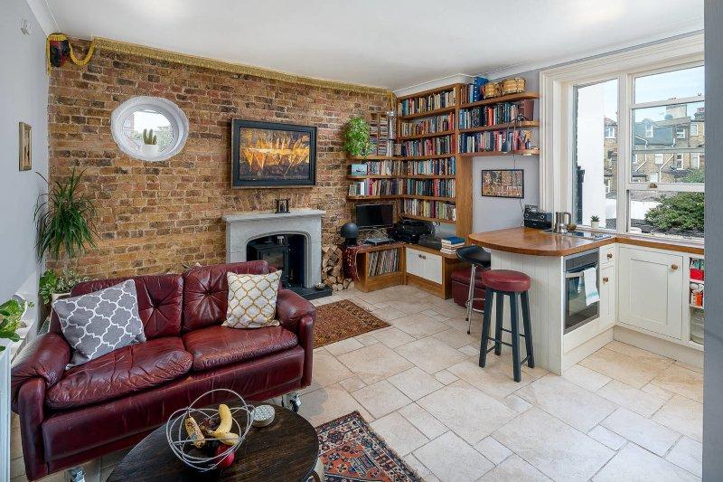 Amazing living room, spacious, luminous and full o