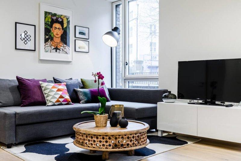 Woonkamer met gezellige sofa
