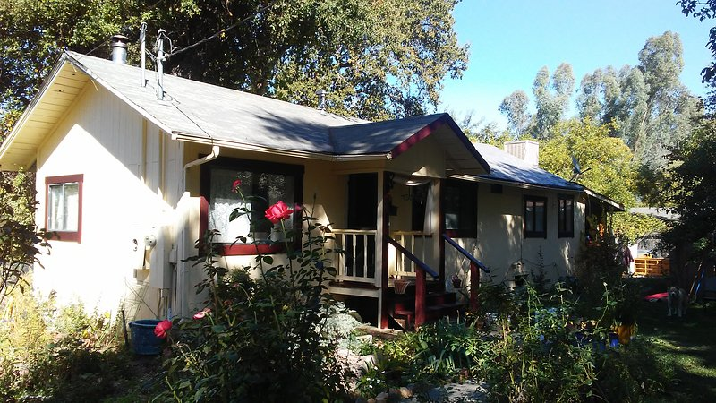 Cabin 1970, holiday rental in Hopland