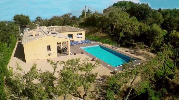 Esclanya Villa Sleeps 12 with Pool and WiFi - 5246721, Ferienwohnung in Tamariu