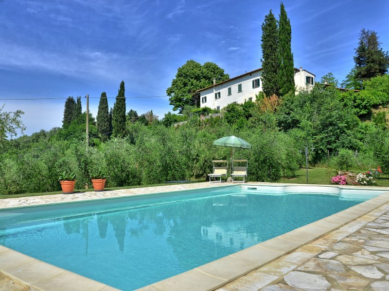 Fornacino Villa Sleeps 10 with Pool and WiFi - 5241947, vacation rental in Corazzano