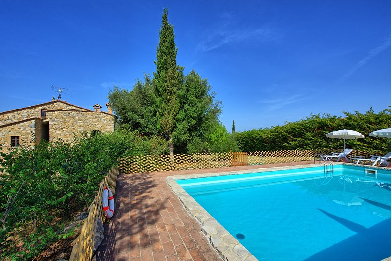 Sant'Anastasio Villa Sleeps 12 with Pool - 5241472, holiday rental in Volterra