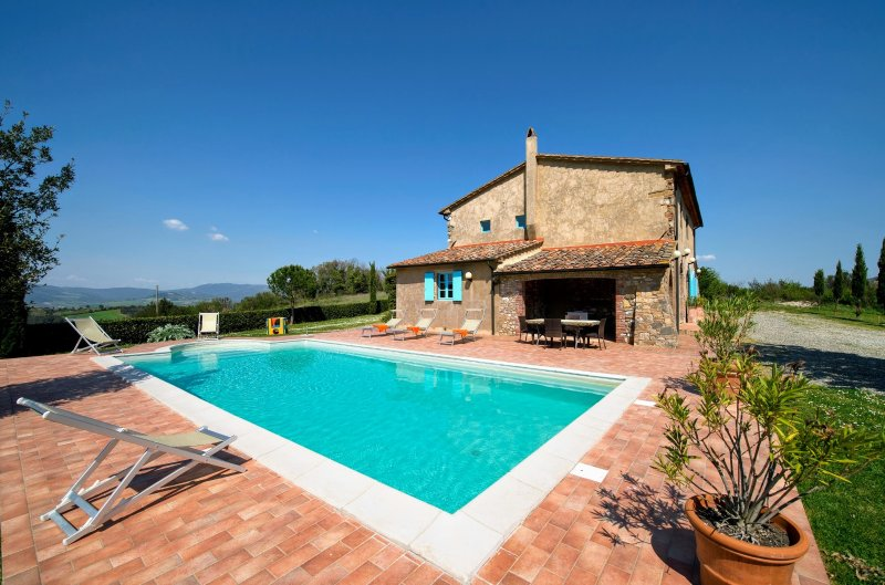 Frassineta Holiday Home Sleeps 10 with Pool and WiFi - 5229692, vacation rental in Guardistallo