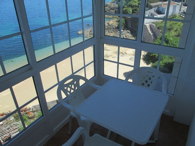 Apartment - 3 Bedrooms - 100423, holiday rental in Castrelo