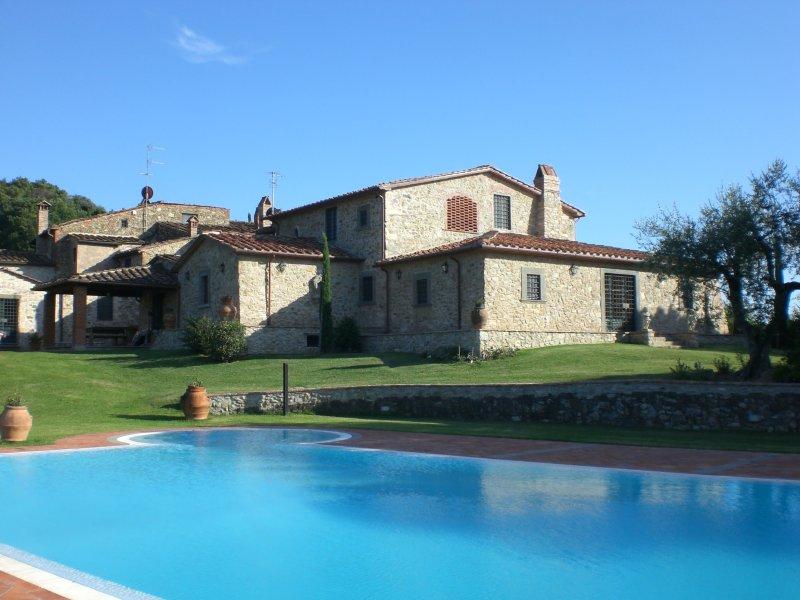 Monsummano Alto Villa Sleeps 10 with Pool Air Con and WiFi - 5227147 – semesterbostad i Montevettolini