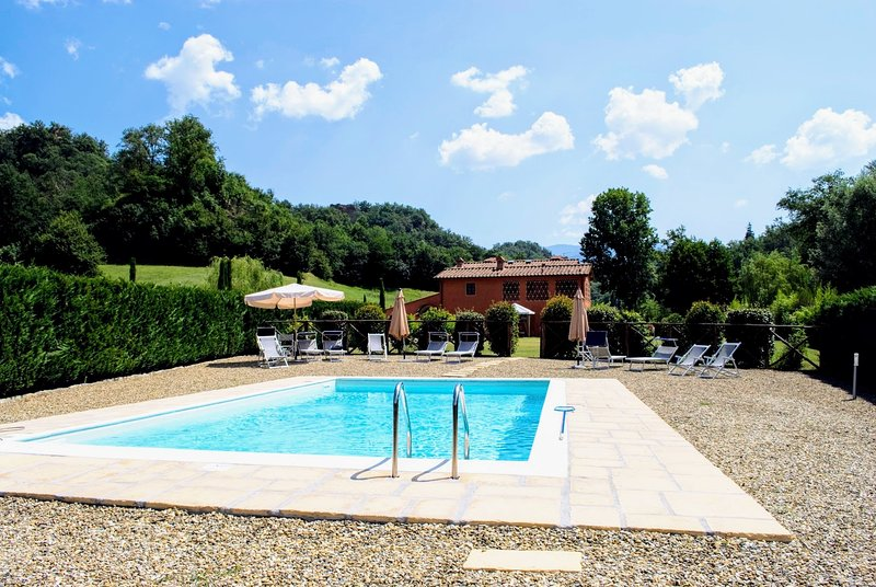 Rota Villa Sleeps 12 with Pool and WiFi - 5226968, location de vacances à Ruota