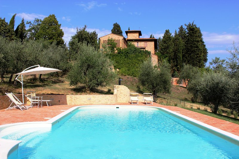 San Martino a Maiano Villa Sleeps 10 with Pool and WiFi - 5226627, holiday rental in Gorgognano