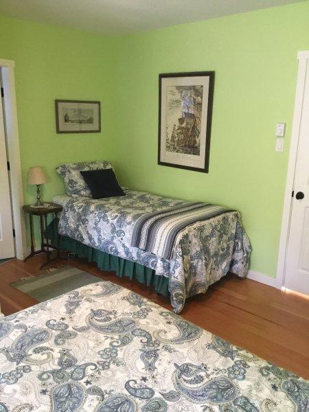 Dublin room single bed