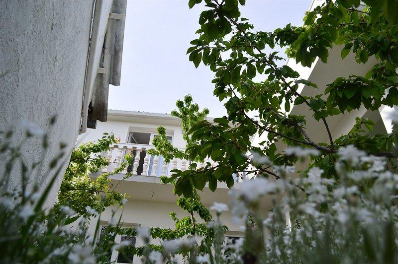 Apartment Boris, holiday rental in Radunic