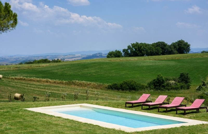 Buonconvento Villa Sleeps 6 with Pool Air Con and WiFi - 5218560, holiday rental in Bollano