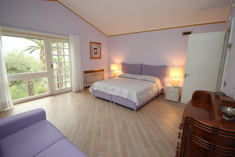dormitorio ciruela