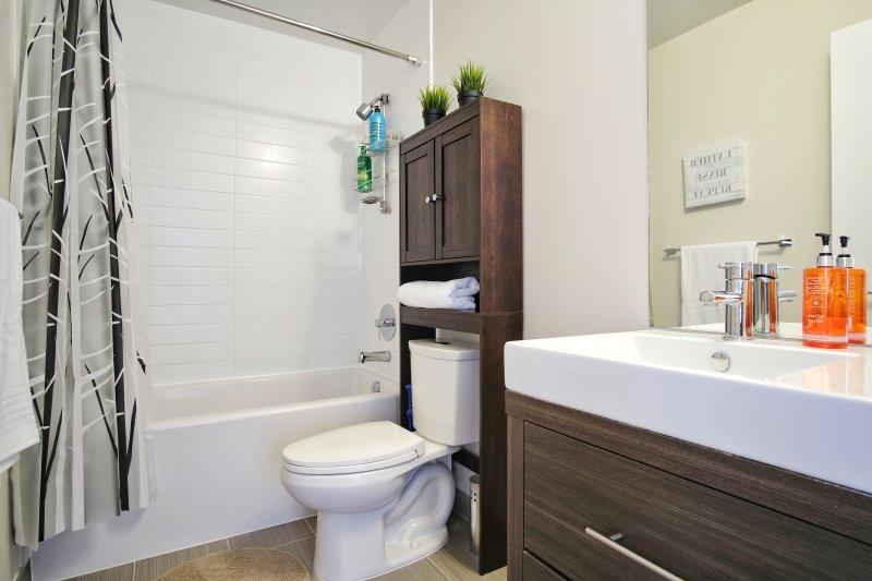 casa de banho totalmente abastecido.