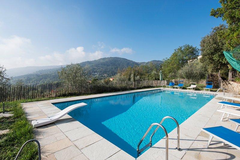 San Donato in Collina Villa Sleeps 12 with Pool and Air Con - 5049022, casa vacanza a San Donato in Collina