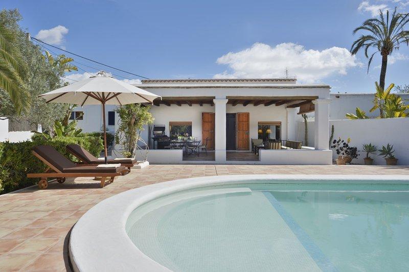 Villa - 3 Bedrooms with Pool and WiFi - 109333, alquiler de vacaciones en Sant Jordi