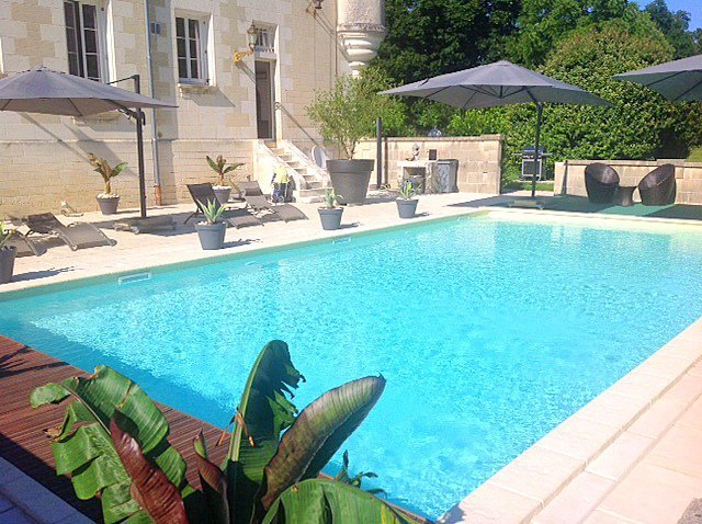 Saint-Avit Chateau Sleeps 6 with Pool and Air Con - 5049786, holiday rental in Chenaud