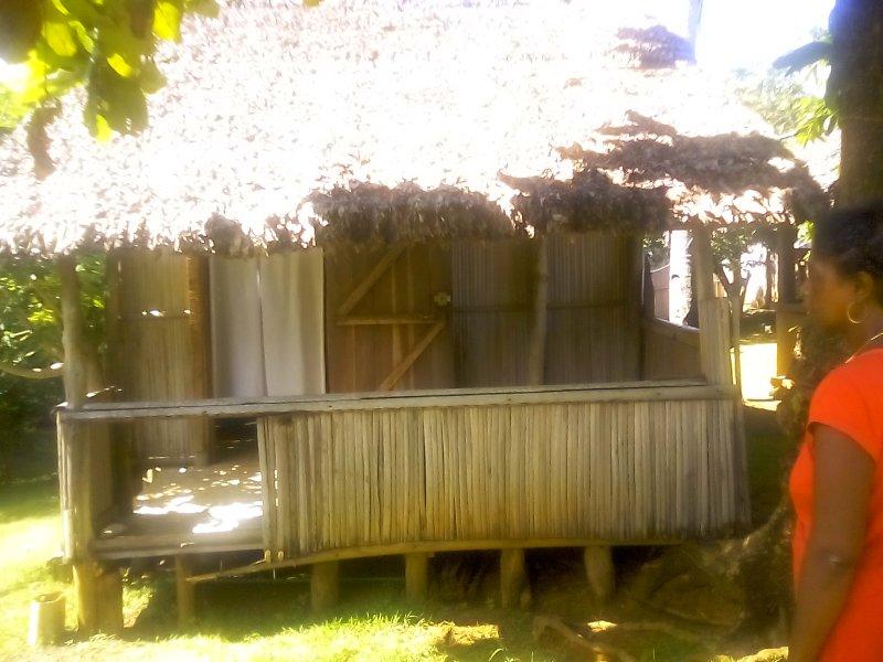 fachada cabana casa 15 metros quadrados objeto da locação