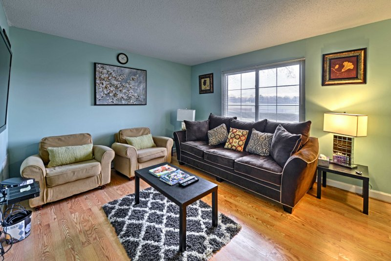 This vacation rental townhouse offers 2 bedrooms and 1.5 bathrooms.