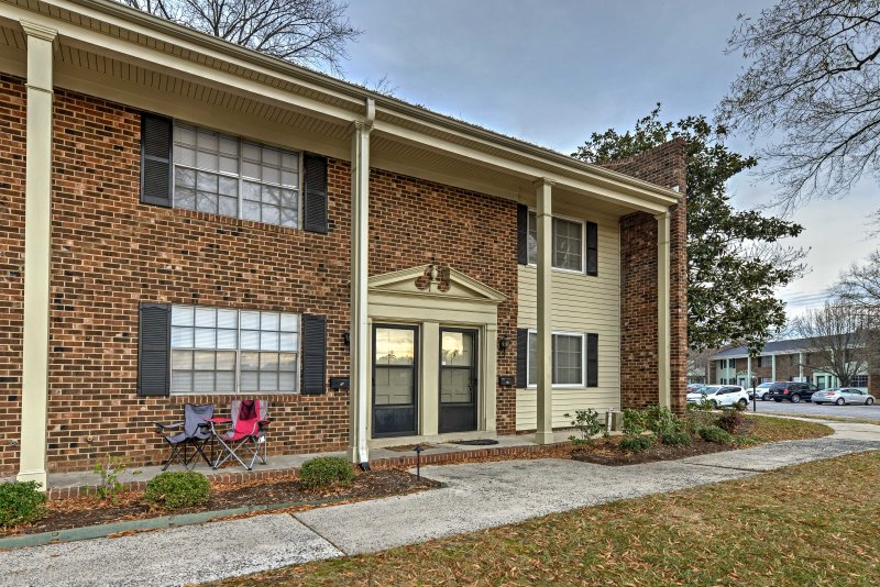 Chapel Hill Townhome - Minutes from UNC & Duke! – semesterbostad i Chapel Hill