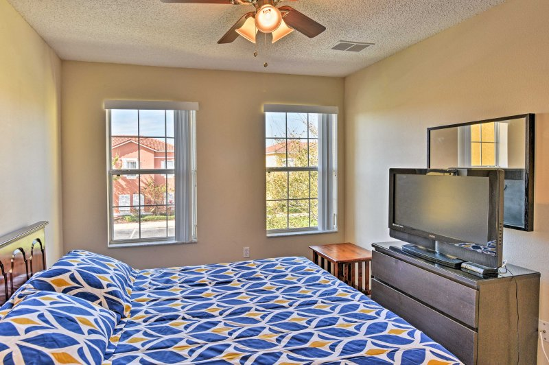 Lie back in the second bedroom as you tune into the flat-screen cable TV.