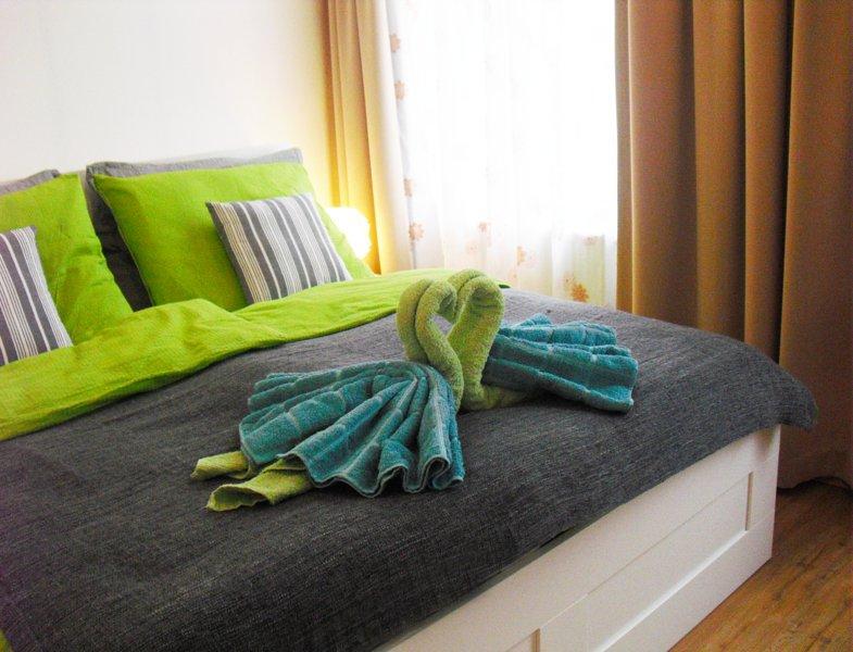 La piccola camera da letto con un letto e materasso di qualità confortevole 180cmx200cm