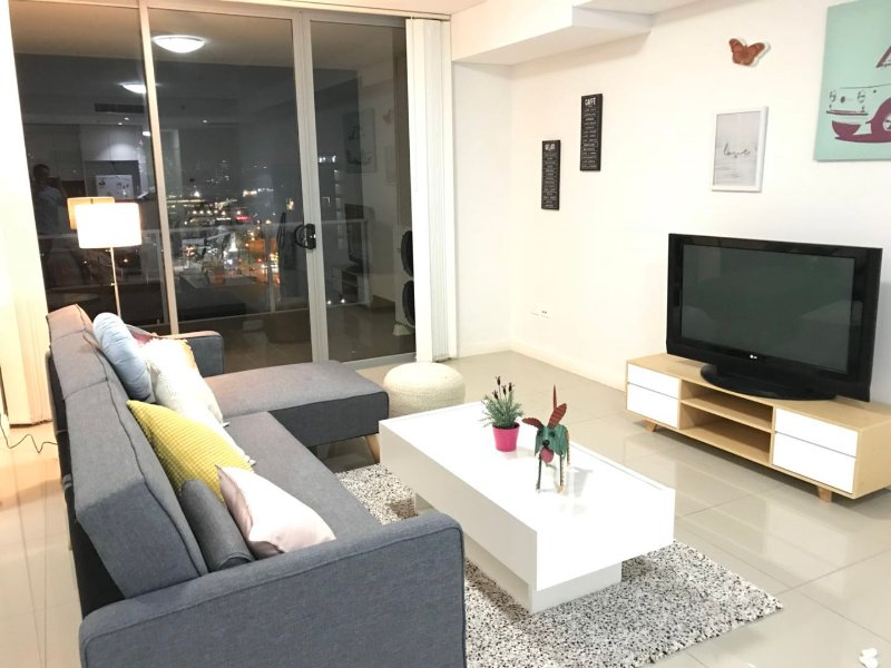 Chic & Cosy home near CBD and Airport, vacation rental in Marrickville