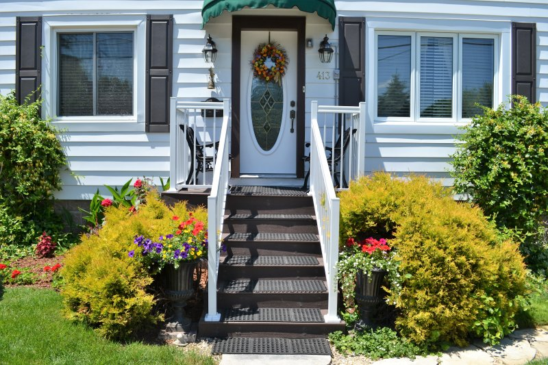 Williams Gate B&B Private Suites - Main Floor Two Bedrooms Suite, holiday rental in Niagara-on-the-Lake