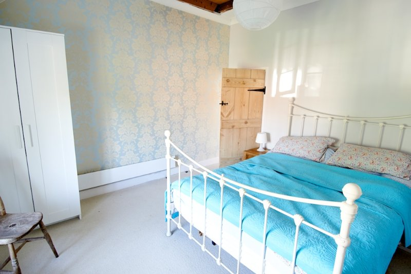 Beautiful flint cottage with large secluded garden, vacation rental in Burnham Market