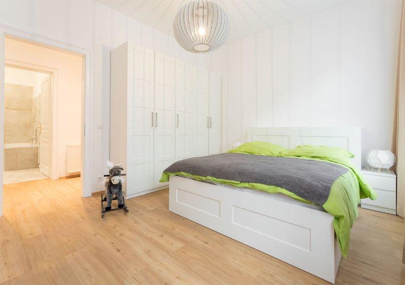 Vista della piccola camera da letto